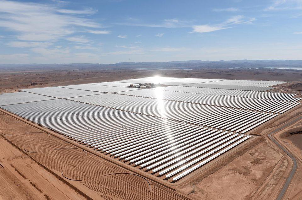 La plus grande centrale solaire du monde à Ouarzazate, Maroc - Crédits: AFP / FADEL SENNA