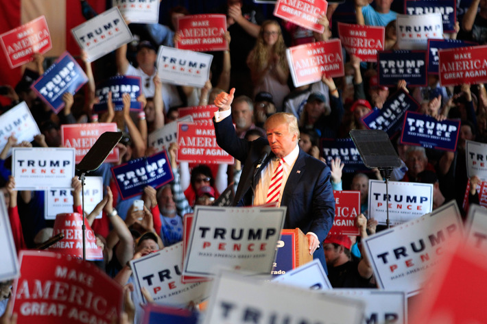 Source : NY Mag - Republican presidential candidate Donald Trump speaks at a rally on October 18, 2016, in Grand Junction, Colorado. Photo: George Frey/Getty Images
