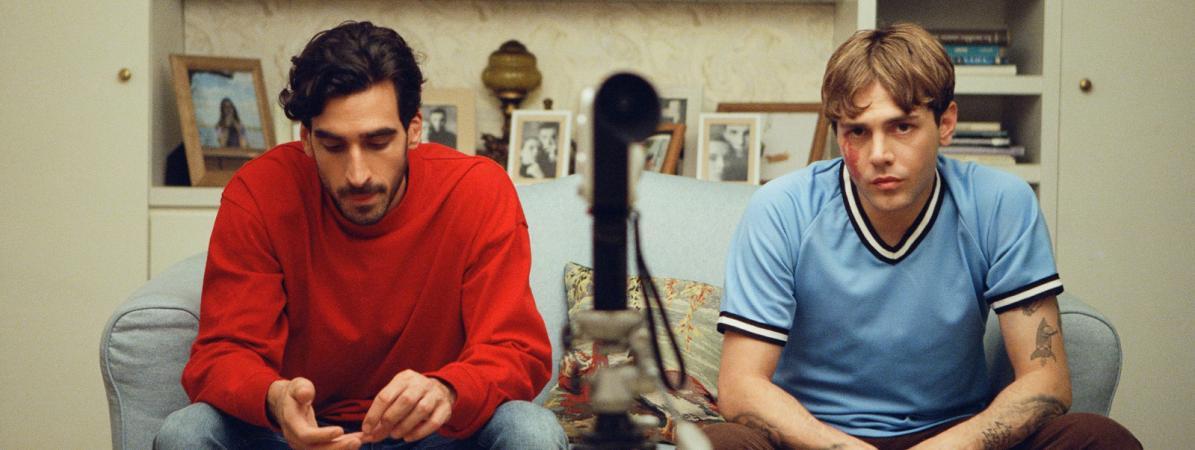 Gabriel D'Almeida Freitas et Xavier Dolan, derrière et devant la caméra de Matthias et Matxime. (Copyright Shayne Laverdiere / Diaphana Distribution)